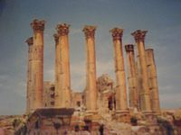 1,000,000 Iraqis are touring Syria presently, this is Palmyra,photo by satireamdcomment.com